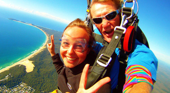 Noosa Tandem Skydive up to 15,000ft