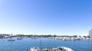 Gold Coast Buffet Lunch Sightseeing Cruise - Surfers Paradise